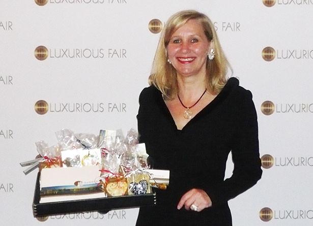 02bws04-luxurious-fair-wilcke-schroeder