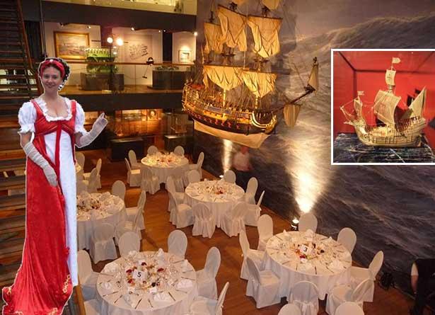 02e09-hamburg-events-maritime-fuehrung-in-historischen-kostuemen