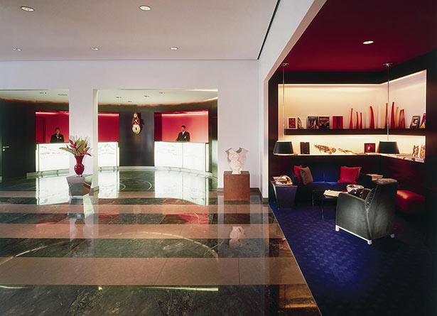 02hot10-hamburg-hotel-empfang-lrm