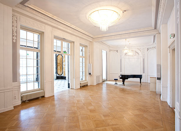 02l11-hamburg-location-Jugenstilsaal-mit-musik-und-alsternaehe