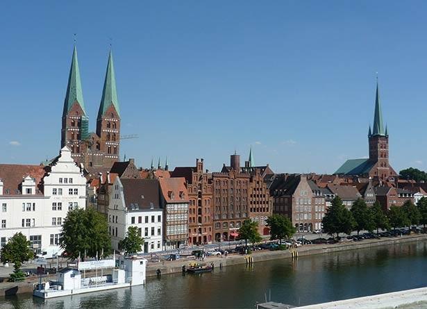 02t11t01hamburg-umland-sehenswertes-Lübeck-marktplatz